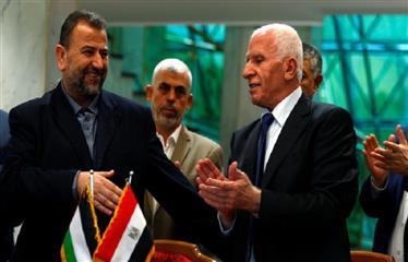 """أبعاد توقيع """"فتح"""" و""""حماس"""" اتفاق المصالحة برعاية مصرية"""