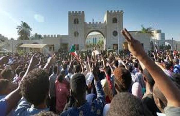 """قراءة في المشهد السودانى ما بعد رحيل """"البشير"""" (2 – 3)"""
